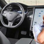 Elon Musk spune că noul update pentru Tesla Full Self-Driving este fenomenal