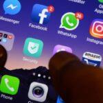 Blocat și complet deconectat: lupta Facebook-ului pentru a remedia o întrerupere masivă